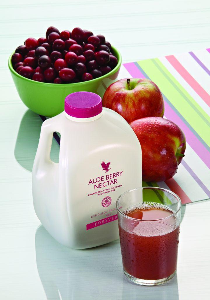 Bevanda di Aloe vera, mela e mirtillo ricca di vitamina C impiegata per dare benefici all'apparato uro-genitale
